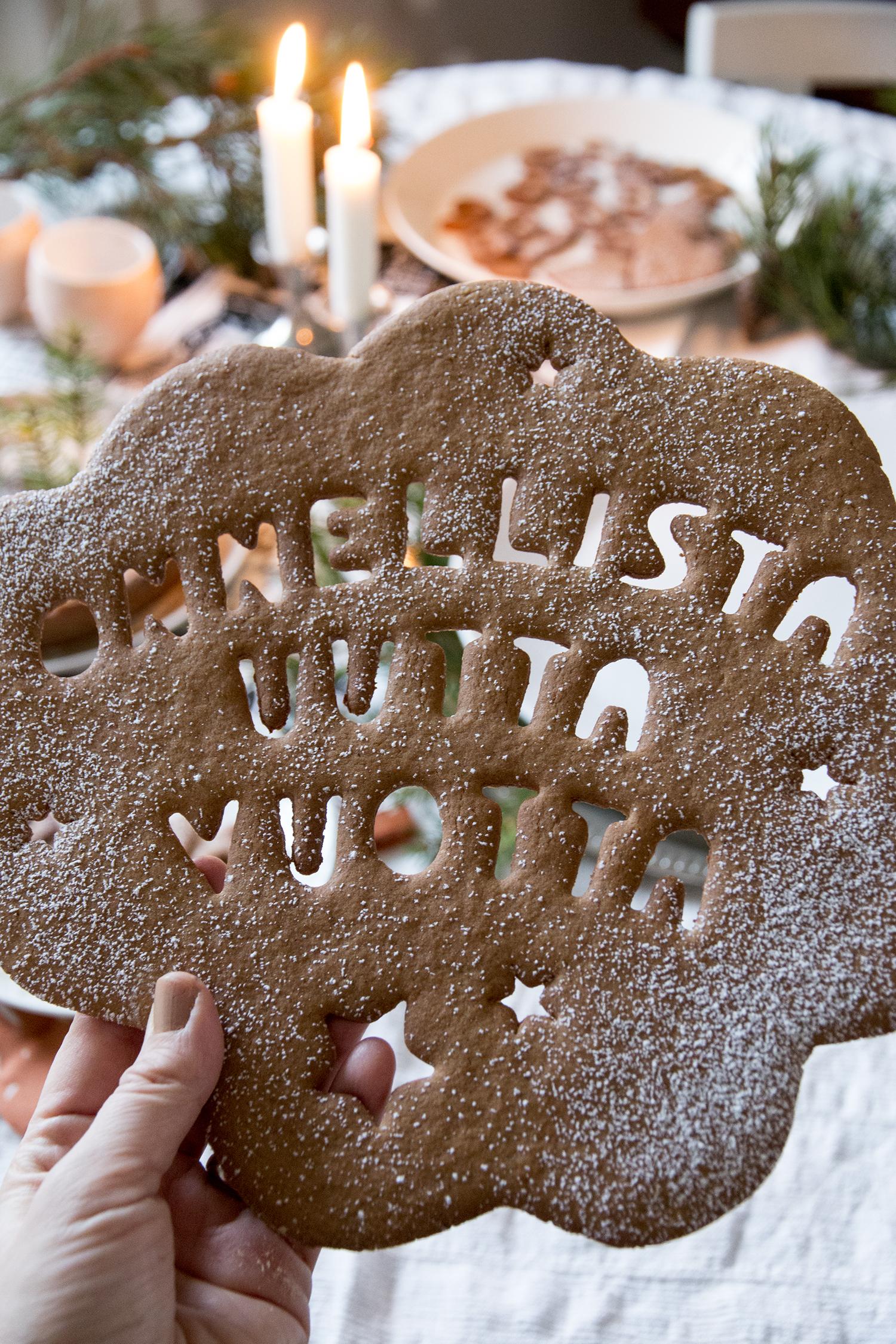 Joulun Ja Uudenvuoden Toivotukset